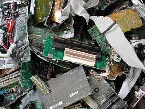 Лом старой электроники.