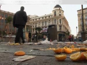 Огромные завалы мусора на улицах Мадрида встречают туристов
