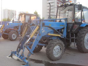 трактор МТЗ для уборки снега