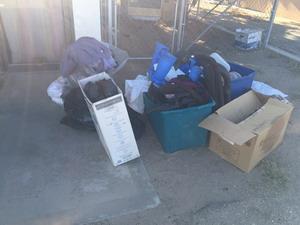 Сбор вещей для бездомных