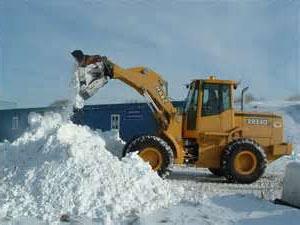 Очистка крыши от снега цена